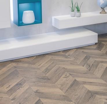 fishbone-laminate-wooden-flooring