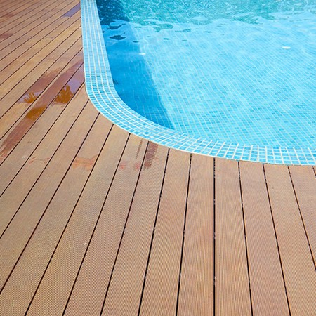 outdoor-wood-floor-long-deck