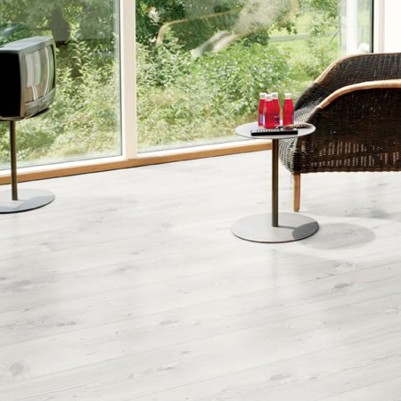luxus-832-laminate-wooden-flooring